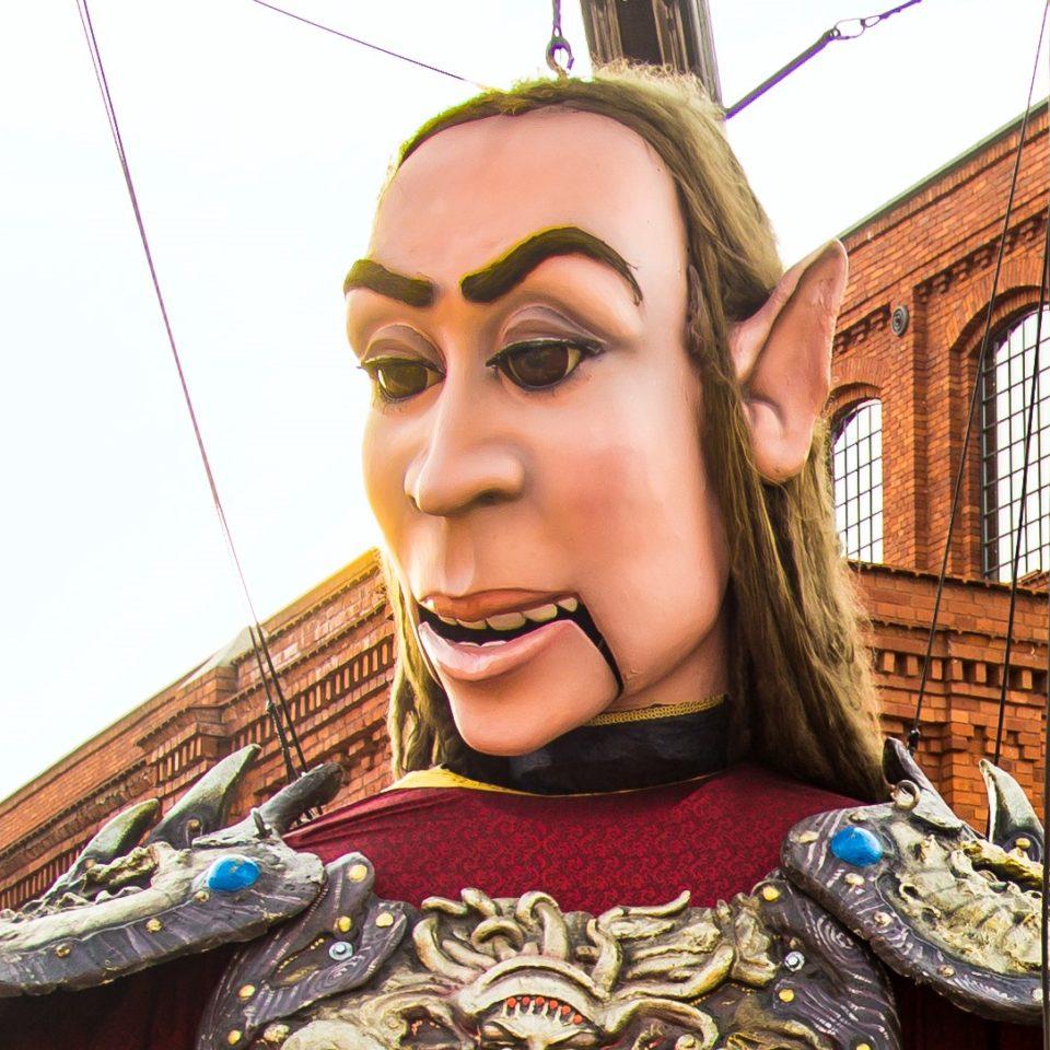 imagen marioneta gigante alberto