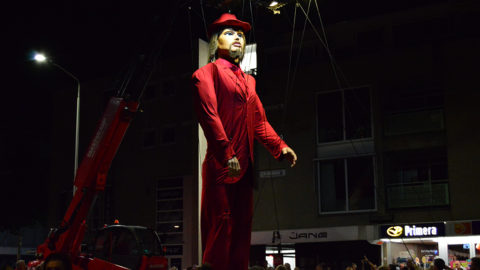 marioneta gigante desfiles