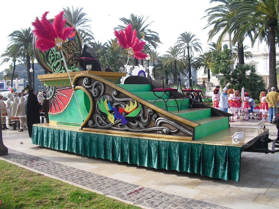 imagen carroza modelo verde