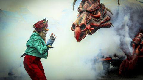 dragón articulado para alquiler