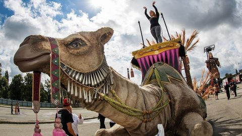 escultura camella para espectaculos