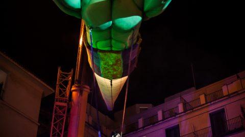 escultura genio de la lampara
