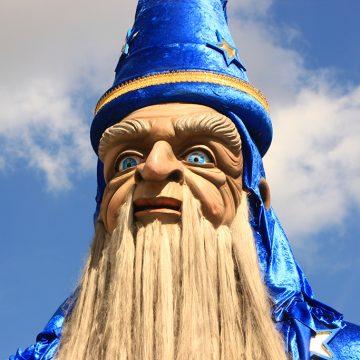 escultura gigante mago druida