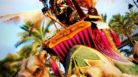 escultura movil para desfiles camella