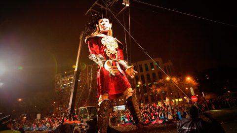 marioneta gigante salvador